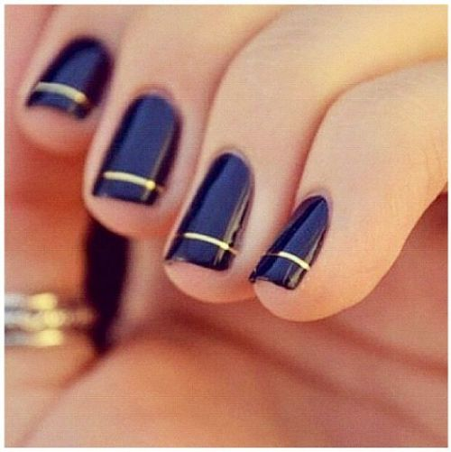 navy and gold single striped nails