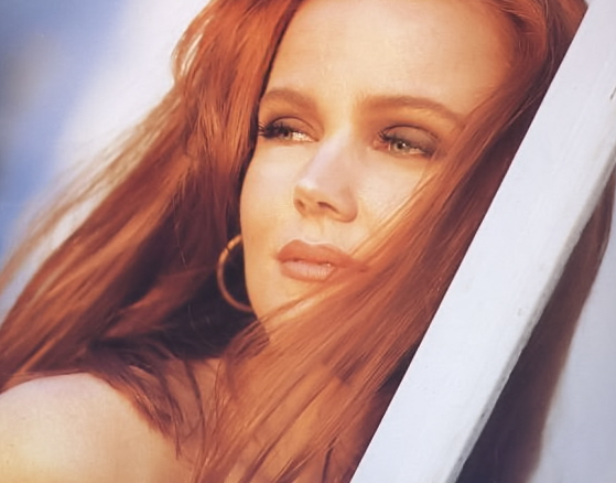 belinda-carlisle-heaven-is-a-place-on-earth