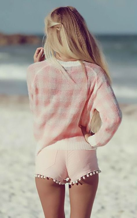pink-checkered-beach-fashion-editorial
