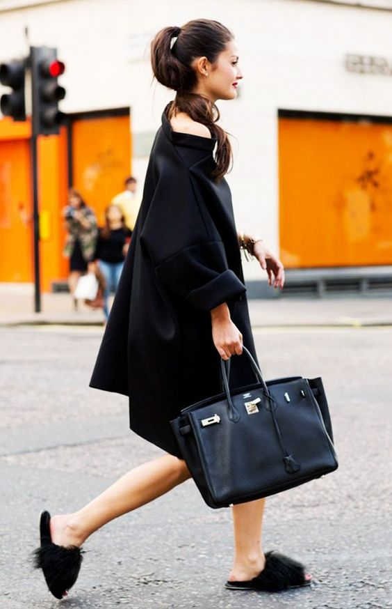 black-furry-slips-streetstyle
