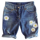 dolce-and-gabbana-distressed-rolled-shorts-daisy-embroidery